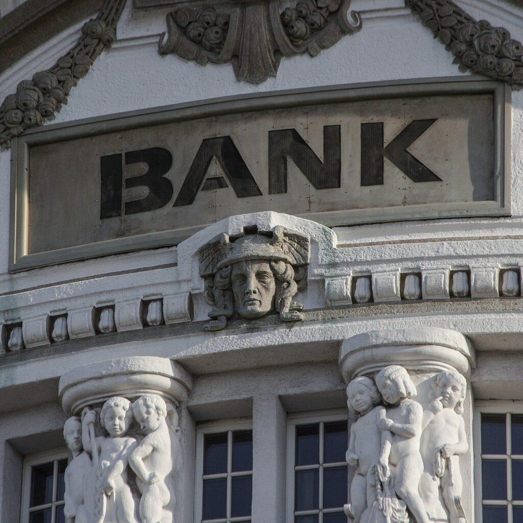 bank 2907728 1280
