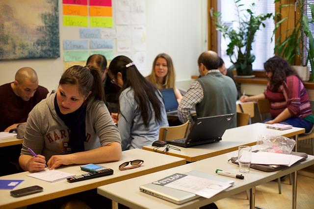 estudiantes-colombia-sistema-educativo-formacion-certificado-sena